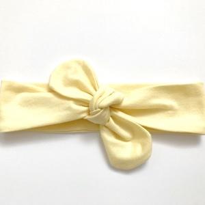 Világos sárga rugalmas pamut fejpánt / hajpánt, Gyerek & játék, Táska, Divat & Szépség, Hajbavaló, Ruha, divat, Hajpánt, Varrás, Ékszerkészítés, Szuper aranyos divatos kiegészítő ez a világos sárga fejpánt!\n\nNagyon jó minőségű pamut anyagból kés..., Meska