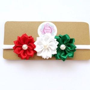 Nemzeti piros fehér zöld virágos puha rugalmas hajpánt, fejpánt keresztelőre, esküvőre, Táska, Divat & Szépség, Hajbavaló, Ruha, divat, Hajpánt, A virágos fejpántot (hajpánt) szatén szalagból készítettem. A virágok közepén gyöngy található.   A ..., Meska
