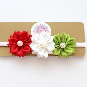 Nemzeti piros fehér világos zöld virágos puha rugalmas hajpánt, fejpánt keresztelőre, esküvőre, Táska, Divat & Szépség, Hajbavaló, Ruha, divat, Magyar motívumokkal, Kokárda, Varrás, Ékszerkészítés, A virágos fejpántot (hajpánt) szatén szalagból készítettem. A virágok közepén gyöngy található. \n\nA ..., Meska