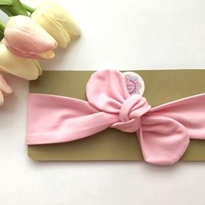 Világos rózsaszín rugalmas pamut fejpánt / hajpánt, Táska, Divat & Szépség, Ruha, divat, Hajbavaló, Hajpánt, Varrás, Ékszerkészítés, Szuper aranyos divatos kiegészítő ez a masnis fejpánt!\n\nNagyon jó minőségű pamut anyagból készült, a..., Meska