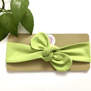Világoszöld (kivi zöld) rugalmas pamut fejpánt / hajpánt, Hajráf & Hajpánt, Hajdísz & Hajcsat, Ruha & Divat, Varrás, Ékszerkészítés, Szuper aranyos divatos kiegészítő ez a pamut fejpánt!\n\nNagyon jó minőségű pamut anyagból készült, am..., Meska
