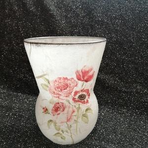 Váza, Otthon & Lakás, Dekoráció, Váza, Decoupage, transzfer és szalvétatechnika, Rizspapírral bevontam az üveg vázát és szalvétával díszítettem. Külseje lakkozva van.\nMagassága: 19 ..., Meska