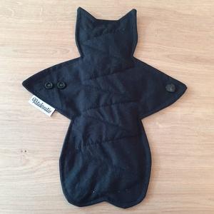 Miau dark - macska alakú exkluzív formabetét bambusz nedvszívó maggal és folyadékelvezető barázdával, Szépségápolás, Intim higiénia, Egészségügyi betét, Varrás, Egyedi forma különleges csajsziknak! Mert megérdemled! Sok odafigyelést és türelmet igényel, nehéz é..., Meska