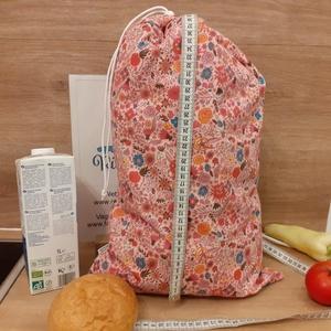 Kenyeres zsák, vízhatlan frissentató - nagy, rózsaszín virágos, Táska & Tok, Bevásárlás & Shopper táska, Kenyeres zsák, Varrás, Helyettesíti az eldobható műanyag zacskókat, pékárus zacskókat. Ha nem szeretnél mindig egyszer hasz..., Meska