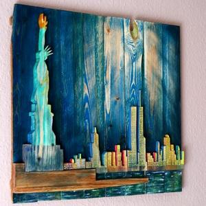 New York Skyline, Művészet, Más művészeti ág, Famegmunkálás, Festészet, New York látkép előtérben a szabadság szoborral. A hold fénye, megvilágítja a ma már nem látható ike..., Meska