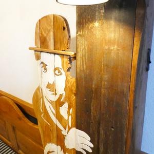 Chaplin és a kölyök , Otthon & Lakás, Dekoráció, Falra akasztható dekor, Famegmunkálás, Festészet, Ez, a lámpával ellátott lakásdekoráció, Chaplinre emlékezve készült. Egyik legkedveltebb partnerével..., Meska