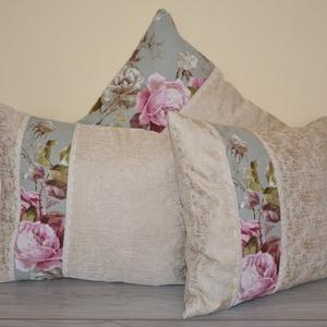 Rózsás vintage párnacsomag, Otthon & Lakás, Lakástextil, Párna & Párnahuzat, Varrás, Exkluzív dekorszövet mellé egy kis rózsás anyag és pamutcsipke került. Igazán kellemes vintage hangu..., Meska
