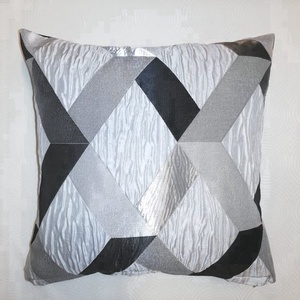 Modern fekete-szürke mintás díszpárna belsővel, Otthon & Lakás, Lakástextil, Párna & Párnahuzat, Varrás, Modern lakásokba ajánlom ezt a fekete-fehér-szürke mintás díszpárnát. A hátoldala egyszínű fekete sh..., Meska