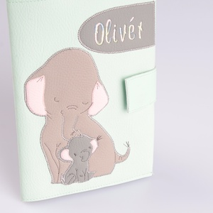 Menta elefánt mintás egészségügyi kiskönyv borító és irattartó, névvel hímzett (RosalieTextil) - Meska.hu