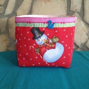 Télapó és hóember -  tároló  doboz , Mikulás, Karácsony & Mikulás, Otthon & Lakás, Varrás, Karácsonyi tároló doboz, vidám színfoltja lehet lakásodnak.\nTélapó és hóember mosolyognak az anyagon..., Meska