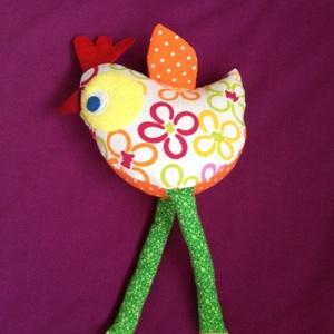 Húsvéti  kis csirke, Gyerek & játék, Gyerekszoba, Játék, Varrás, Vidám színes anyagokból készült kis csirke.\n\nKedves játéka lehet gyermekeknek.\n\nVidámságot visz otth..., Meska