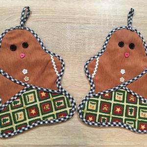 Mézeskalács babák/ sütőkesztyű- dekoráció, Karácsony & Mikulás, Karácsonyi dekoráció, Mézeskalács babák sütőkesztyű formában, vékony vatelin béléssel. Kockás ferde pánttal körbeszegve ap..., Meska