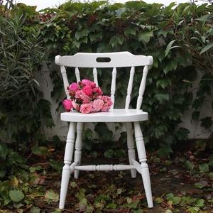 Vintage szék, Bútor, Otthon & lakás, Szék, fotel, Festett tárgyak, Tölgy színű széket festettem, viaszoltam. A képen korábbi alkotások láthatók, de kérésre tetszőleges..., Meska