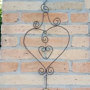 Szív kültéri dekoráció, Otthon & lakás, Dekoráció, Lakberendezés, Ajtódísz, kopogtató, Kovácsoltvas, Drótból készült kültéri dekoráció., Meska