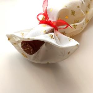 1 db pezsgős zsák, szilveszteri zsák, újévi zsák, hópelyhes tasak, pezsgős tasak, boros tasak férfiaknak, Karácsony & Mikulás, Karácsonyi csomagolás, Varrás, A képen látható pezsgős zsákok pamutból készültek, szájuk összehúzható és organza szalaggal masnira ..., Meska