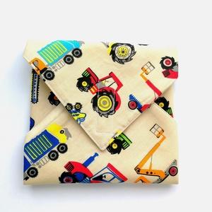 1 db tépőzáras újraszalvéta fiúknak: újraszalvéta fiús mintával - vízhatlan újra-szalvéta - traktoros újraszalvéta, Táska & Tok, Uzsonna- & Ebéd tartó, Szendvics csomagoló, Varrás, Ez az aranyos újra-szalvéta az egyszer használatos szalvéta, folpack, uzsonnás zacskó és az alufólia..., Meska