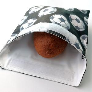 1 db focilabdás snackbag, tépőzáras szendvics csomagoló - vízhatlan uzsonnás tasak - szendvics csomagoló, újraszalvéta, Táska & Tok, Uzsonna- & Ebéd tartó, Szendvics csomagoló, Varrás, Ez az aranyos szendvics csomagoló uzsitasak az egyszer használatos szalvéta, folpack, uzsonnás zacsk..., Meska
