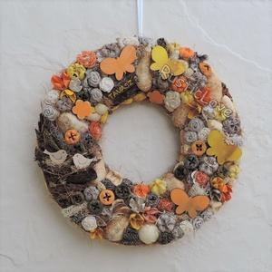 TAVASZ :) rusztikus kopogtató , Lakberendezés, Otthon & lakás, Ajtódísz, kopogtató, Koszorú, Húsvéti díszek, Ünnepi dekoráció, Dekoráció, Virágkötés, Mindenmás, Kedves, vidám, tavaszi-nyári kopogtató, ajtó-vagy falidísz bézs-sárga-narancs színekben. Lepkés juta..., Meska