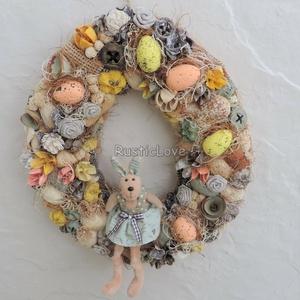 Húsvéti kopogtató nyuszilánnyal, tojásokkal - rusztikus , Otthon & Lakás, Dekoráció, Ajtódísz & Kopogtató, Virágkötés, Kedves, elegáns húsvéti kopogtató tavaszi színekben: tojás alakú, textillel bevont alapot száraz növ..., Meska