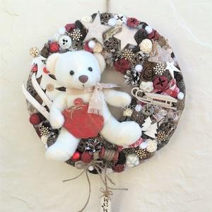 TÉLI MESE karácsonyi kopogtató , Karácsonyi kopogtató, Karácsony & Mikulás, Otthon & Lakás, Virágkötés, Mindenmás, Kedves, bájos plüssmackó keresi az ünnepekre otthonát! Téli, karácsonyi hangulatú ajtó- vagy falidís..., Meska