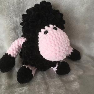 amigurumi bari, Játék & Gyerek, Plüssállat & Játékfigura, Horgolás, Csak egy bárány bundája lehet ennyire puha és selymes. Ez a 15 cm magas bari gazi alvós barát!, Meska