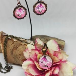 Pasztell virág, Ékszer, Ékszerszett, Festészet, Gyönyörű pasztell színű virágok, finom csillogással. Bronz medálalapra készült nyaklánc és a hozzá i..., Meska