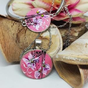 Romantikus szett, Ékszer, Ékszerszett, Festett tárgyak, Két részes szett, mely nyakláncból és karkötőből áll. Pasztell rózsaszín alapra kézzel festve strass..., Meska
