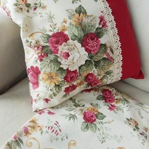 Rózsás párnahuzat, Lakberendezés, Otthon & lakás, Lakástextil, Dekoráció, Párna, Varrás, Ezeket a párnahuzatokat drapp alapon, bordó színű rózsa mintás, erős vászon anyagból varrtam. A bord..., Meska