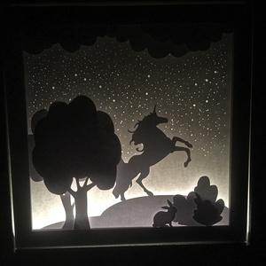 Unikornis Shadowbox, Karácsony, Otthon & lakás, Dekoráció, Kép, Lakberendezés, Falikép, Papírművészet, Fotó, grafika, rajz, illusztráció, Egyedi tervezésű, saját kézzel készített kép. A rétegezett papír technika és a kompozíciók összhatás..., Meska