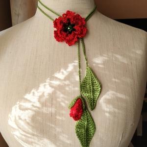 Horgolt 3D pipacs lánc, Ékszer, Nyaklánc, Hosszú nyaklánc, Horgolás, 3D-s pipacs virágos, tavaszi, nyári horgolt lánc. A virág közepét csillogó, szálas fonal és egy kris..., Meska
