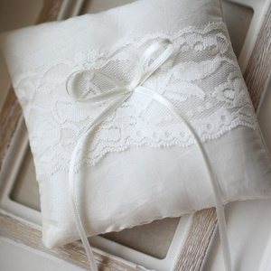 Gyűrűpárna, Gyűrűtartó & Gyűrűpárna, Kiegészítők, Esküvő, Mindenmás, Varrás, 12x12  cm-es gyűrűtartó párna, ekrü, Meska