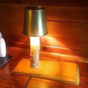 Fa lámpa - A természet ihlette fényforrás -, Asztali lámpa, Lámpa, Otthon & Lakás, Famegmunkálás, Az erdőben sétálgatva nagyon közel érezhetjük magunkat a természethez. Egy vihar után kidőlt fa látv..., Meska