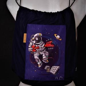 Rocksztár űrhajós - gyermek tornazsák, Játék & Gyerek, Ovis zsák & Ovis szett, Ovis tornazsák, A hátizsákjaink kényelmét ötvöztük a tornazsákok egyszerűségével ennél a modellnél. Az anyaghasznála..., Meska