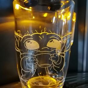 Baby Yoda üvegbögrére gravírozva, Művészet, Grafika & Illusztráció, Gravírozás, pirográfia, Eladásra, rendelésre kínálom saját készítésű, jó (luminarc) minőségű 2,5dl-es üvegbögrére, kézzel gr..., Meska