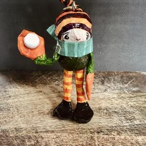 Manó - 17, Otthon & Lakás, Karácsony & Mikulás, Karácsonyfadísz, Papírművészet, Festészet, 100%-ban kézzel készült vidám papírmasé manó, amit bátran akaszthatsz karácsonyfára, ablakba, ajtóra..., Meska
