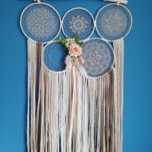 Falidísz, Otthon & Lakás, Dekoráció, Falra akasztható dekor, Virágkötés, Csipkekészítés, Régi csipkék felhasználásávak készült falidísz.\nMérete 60*100 cm\n, Meska