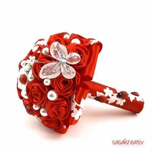 'SATIN RIBBON ROSES' csokor KICSI, Dekoráció, Esküvő, Csokor, Esküvői csokor, Virágkötés, Az örökcsokor kitűnő választás minden alkalomra, egyedi és maradandó kézműves ajándék. Adható szüle..., Meska