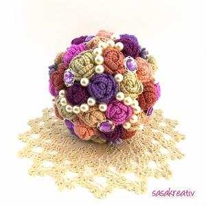 'CROCHETED ROSES' csokor közepes, Dekoráció, Esküvő, Csokor, Esküvői csokor, Virágkötés, Horgolás, A horgolt örökcsokor kitűnő választás lehet szinte minden alkalomra! Adható születésnapra, névnapra..., Meska