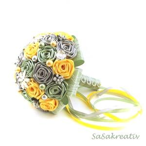 \'SATIN RIBBON ROSES\' csokor KÖZEPES, Esküvő, Menyasszonyi- és dobócsokor, Menyasszonyi- és dobócsokor, Virágkötés, Az örökcsokor kitűnő választás minden alkalomra, egyedi és maradandó kézműves ajándék. Adható szület..., Meska