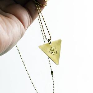 Elefántos háromszög alakú réz nyaklánc (schalleszter) - Meska.hu