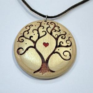 Életfa medál fából, Ékszer, Medál, Famegmunkálás, Fából fűrészeléssel rétegragasztott technikával készült medál.\nTermészetes fa páccal színezve, illet..., Meska