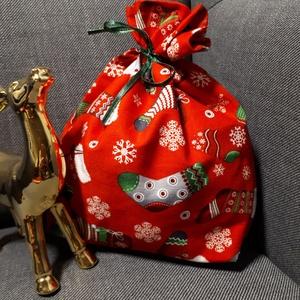 Mikulás tasak - mintás zoknis, vékony szalaggal, Otthon & Lakás, Karácsony & Mikulás, Mikulás, Varrás, Minőségi textilből készült mikulás, vagy karácsonyi ajándék tasak. Zöld szalaggal.\nBélése belül piro..., Meska
