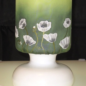 Mákvirág mintás, selyem rátétes opálüveg lámpa, Dekoráció, Otthon, lakberendezés, Lámpa, Asztali lámpa, Selyemfestés, Különleges, egyedi technikával készült, selyem rátétes opálüveg lámpa. Különleges, hangulatos fényt..., Meska