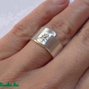 Fa ezüst gyűrű (állítható méretű, széles, szatén) - Meska.hu
