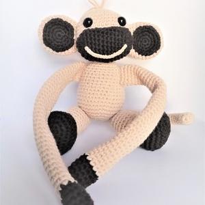 Függönyelkötő majom - Meska.hu