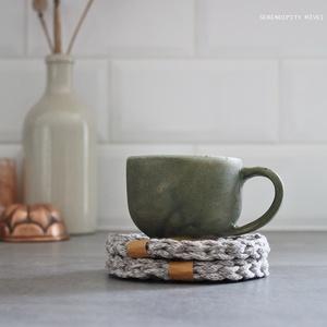 Poháralátét szett - K ö z ö s kávézások, Otthon & Lakás, Konyhafelszerelés, Tányér- és poháralátét, Szuper kis minőségű, újrahasznosított pamut fonalból készült pamut mosható poháralátét szett. A fona..., Meska