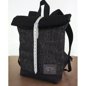 Serin fekete hátizsák AKCIÓS, Táska, Divat & Szépség, Táska, Hátizsák, Varrás, Egyéni hátizsák.\nA táska külseje elől egy különleges csillogós tweed (szövet)anyag , hátul pedig erő..., Meska