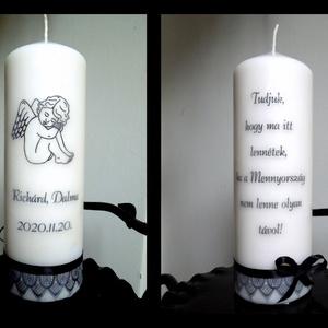 Emlék gyertya (esküvőre), kegyeleti gyertya, Esküvő, Dekoráció, Gyertya & Gyertyatartó, Gyertya-, mécseskészítés, Mindenmás, 8x20 cm magas fehér/natúr színben kérhető gyertya szeretteink emlékére. \nA felirat, betűtípus, díszí..., Meska