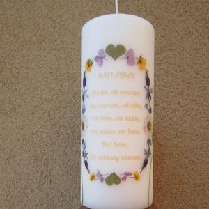 Házi áldás - Gyertyában rét , Esküvő, Dekoráció, Gyertya & Gyertyatartó, Gyertya-, mécseskészítés, Mindenmás, Natúr fehér 20 cm magas és 8 cm széles minőségi gyertya, általam gyűjtött növényekkel, virágokkal. 8..., Meska