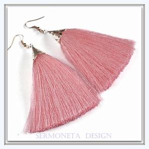 Rózsaszín bojt fülbevaló, Ékszer, Fülbevaló, Ékszerkészítés, Mindenmás, Szép esésű, selymes fonalból készítettem ezt az igazán csajos bojt fülbevalót.kényelmes viselet, pil..., Meska